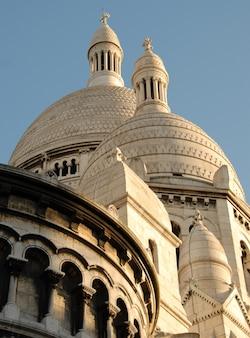 Базилика сакре-кер в париже в солнечный день