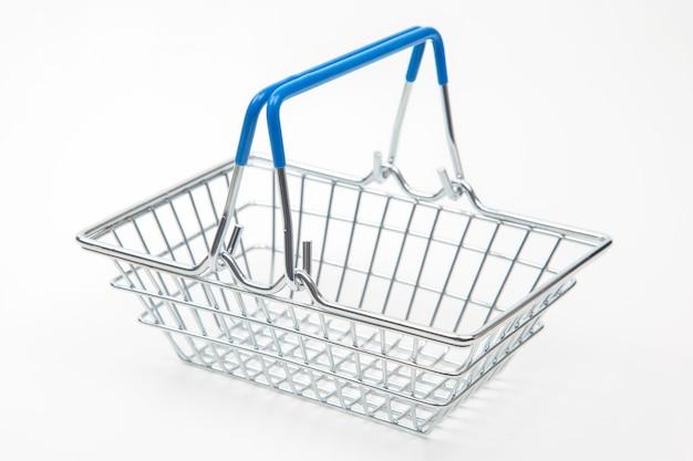 흰색 배경에 쇼핑 시장 식료품 바구니