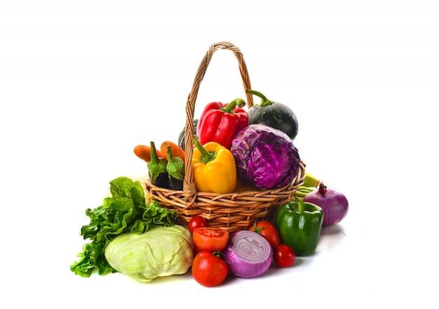 Корзина полный овощей