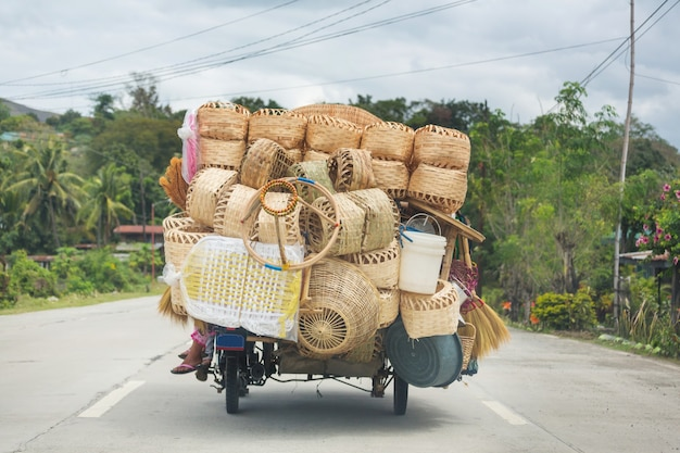 Корзины в машине, индонезия, остров ява