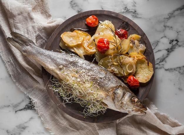 베이스 생선 요리 모듬