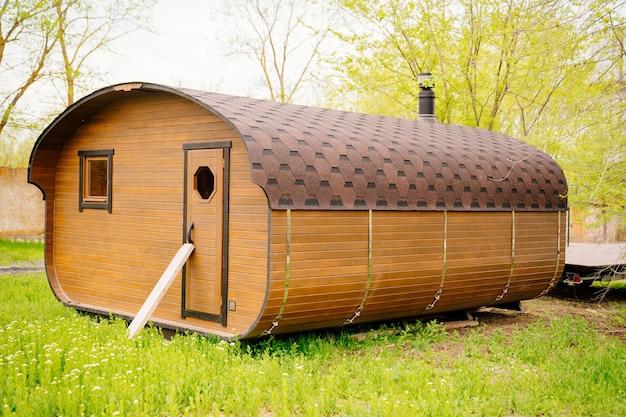 Bathbarrel은 이동이 가능한 작고 가벼운 건물입니다.