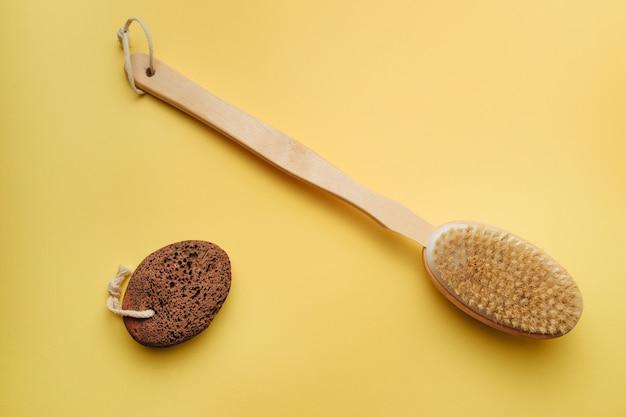 Bathing brush and heel penza