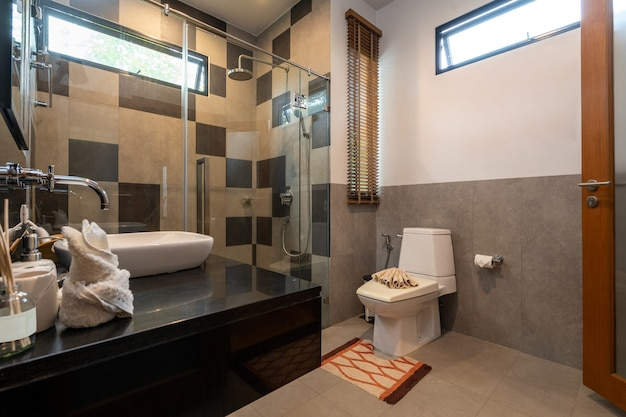 Bathroom with basin, toilet and shower