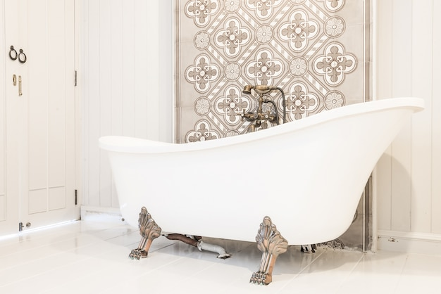 Bathtub classic antique home shower