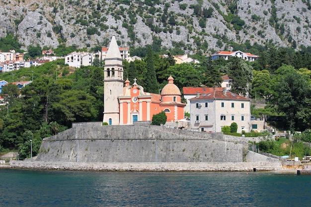 Которский залив, черногория, красивый пейзаж.