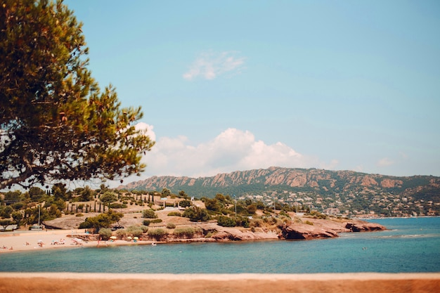 フレンチリビエラのビーチ