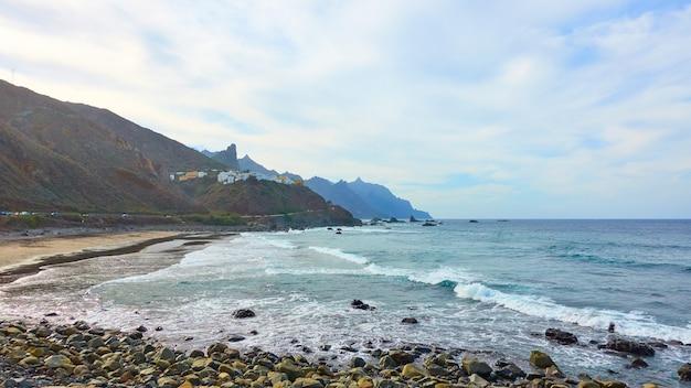 テネリフェ島の北、カナリア諸島、スペインのビーチ。カナリアの風景