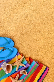 Пляжные объекты и флип-флоп