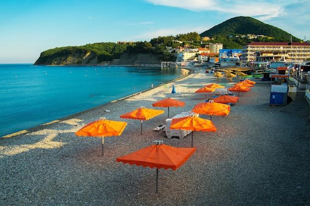 黒海のビーチロシアトゥアプシン地区オルギンカ村