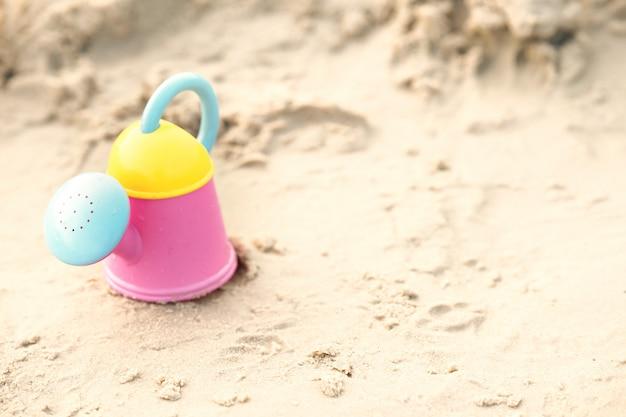 砂で遊ぶビーチおもちゃ