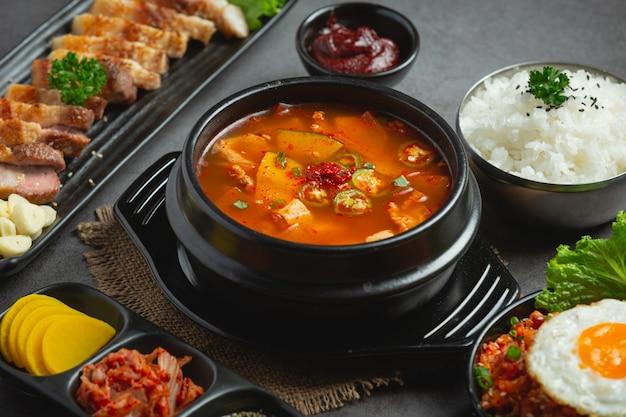 Суп из фасолевой пасты по-корейски