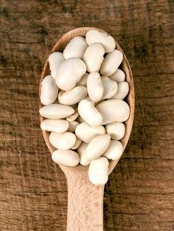 スプーンの豆