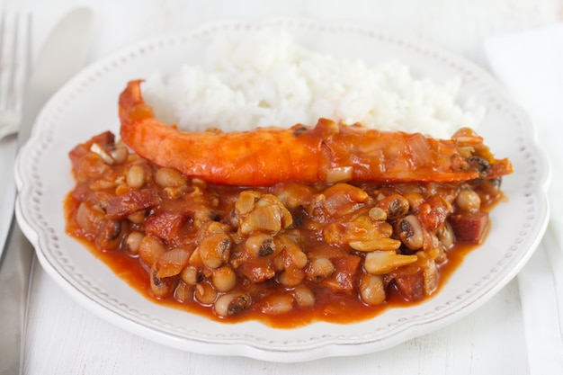 Beans with seafood and shrimps