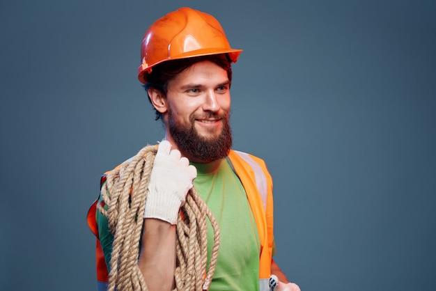 수염 난 남자 하드 직업 전문 감정