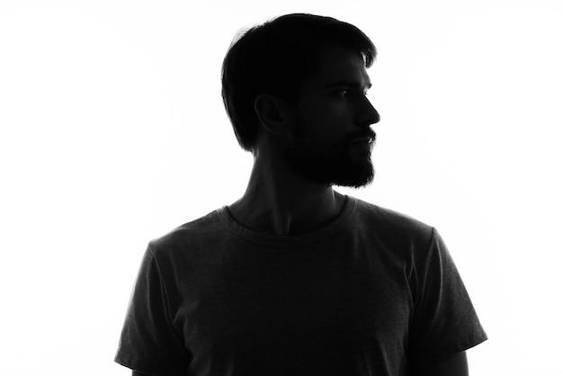 影の匿名スタジオ神秘的なひげを生やした男