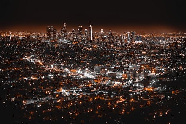 Красивый воздушный выстрел из лос-анджелеса ночью