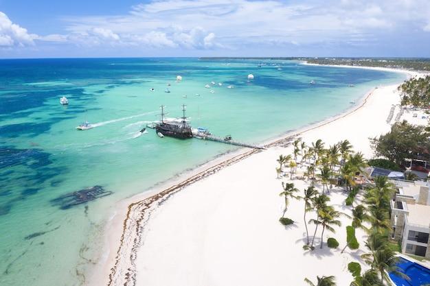 ビーチの美しい空中写真