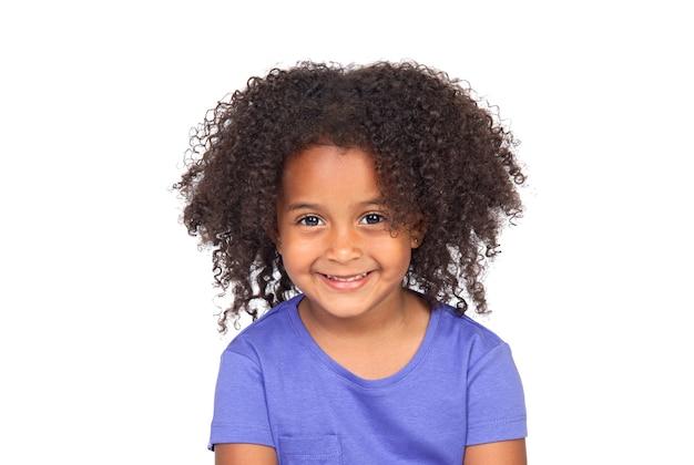 孤立した青いtシャツと美しいアフリカ系アメリカ人の少女