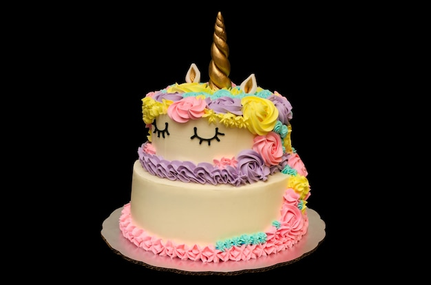 自家製の美しくておいしいカラフルなユニコーンケーキ