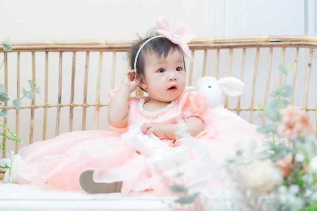 美しくて素敵なアジアの女の子の肖像画