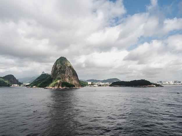 リオデジャネイロの美しく魔法の街とその有名な場所