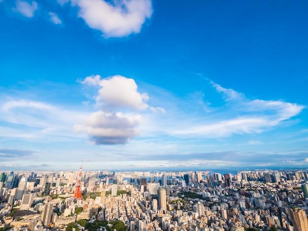 일본의 도쿄 타워가있는 도쿄 시내 주변의 아름다운 건축물과 건물