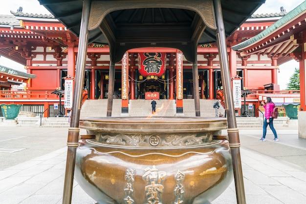 일본 아사쿠사 주변 센소지 절의 아름다운 건축물
