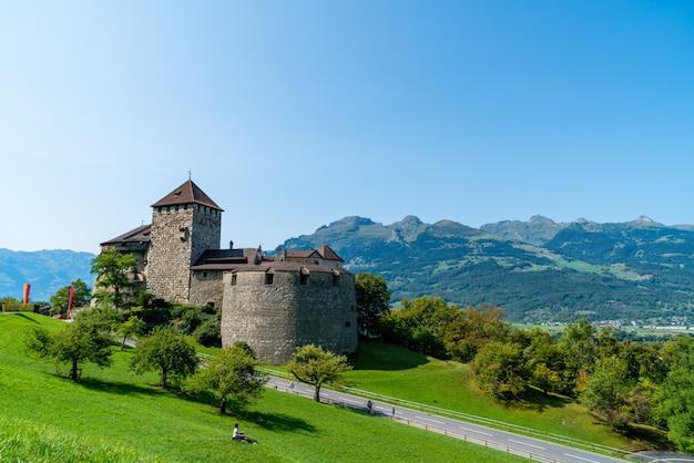 Красивая архитектура в замке вадуц, официальной резиденции принца лихтенштейна