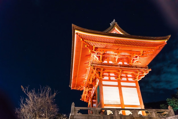 Beautiful architecture in kiyomizu-dera temple kyoto.