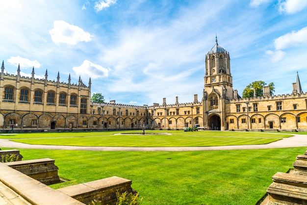 Beautiful architecture tom tower of christ church, oxford university