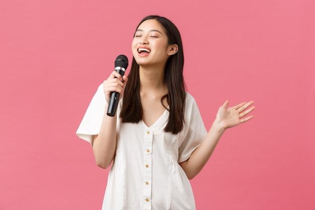 아름 다운 아시아 여자