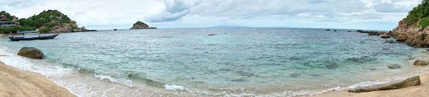 코팡안 섬의 아름다운 만