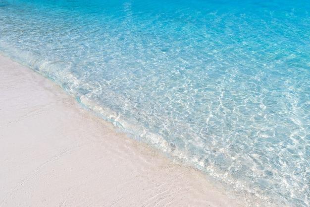 トラッド県タイ東部の青い水背景テクスチャで美しいビーチビュー島海