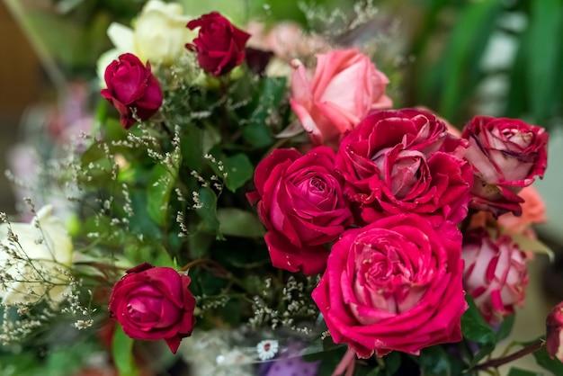 花の美しい花束がクローズアップ。