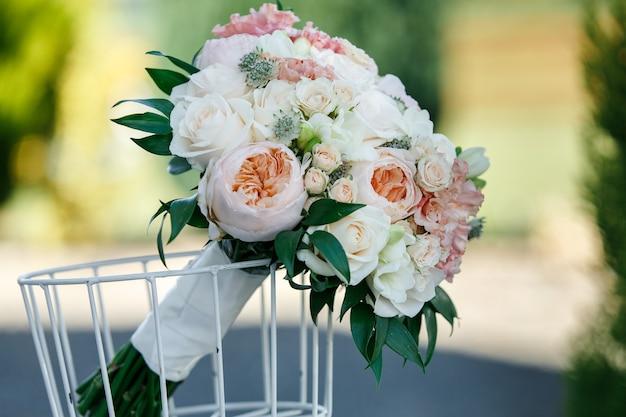섬세한 꽃과 아름다운 꽃다발.