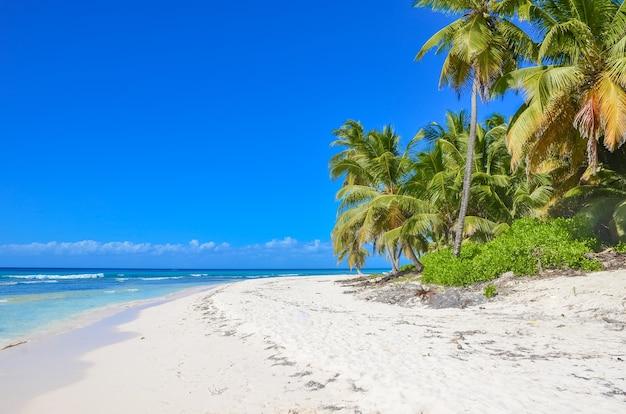 美しいカリブ海の島々