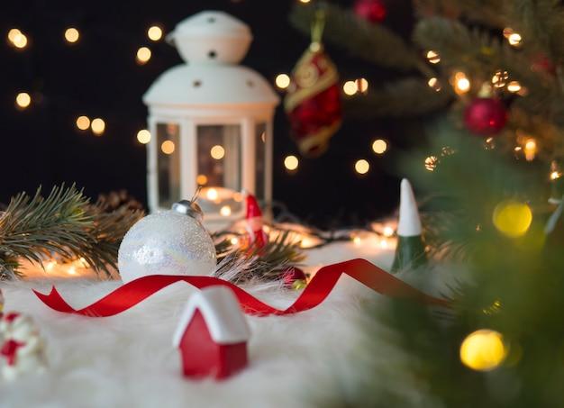 美しいクリスマスと新年の装飾