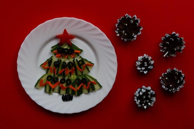 テキストのための空のスペースの美しいクリスマスと新年の食べ物の背景上面図