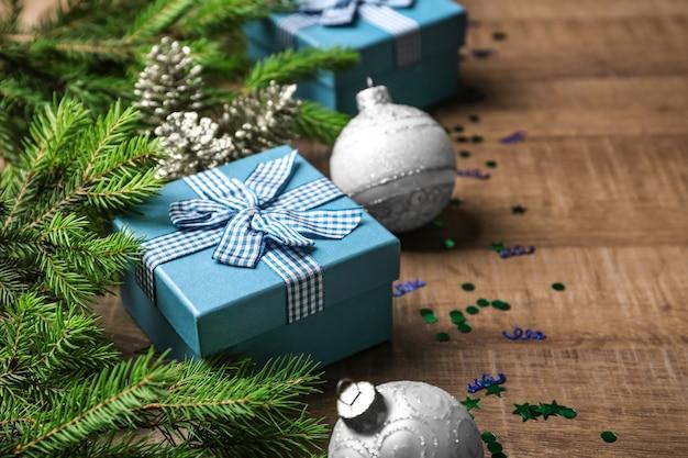나무 표면에 아름 다운 크리스마스 구성