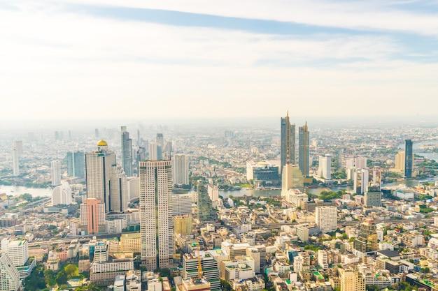 Красивый городской пейзаж с архитектурой и зданием в горизонте бангкока, таиланда