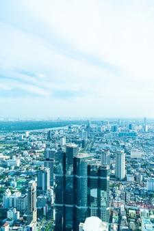 Красивый городской пейзаж с архитектурой и зданием в бангкоке
