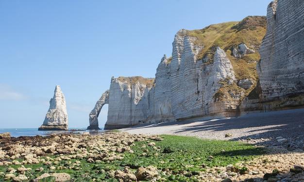 에트 르타, 프랑스의 아름다운 해안선과 설화 석고 절벽 베이