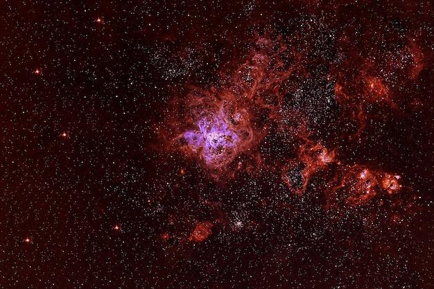 暗い背景に美しい色の銀河。この画像の要素はnasaから提供されました。高品質の写真