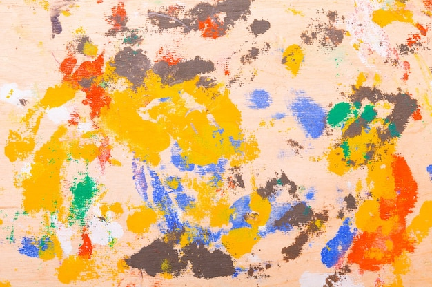 나무 질감에 아름다운 색 페인트 얼룩