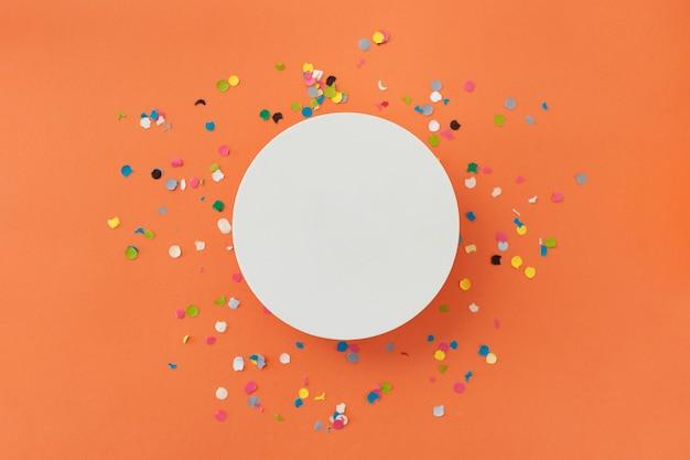 Bellissimo sfondo colorato per congratularmi con il compleanno
