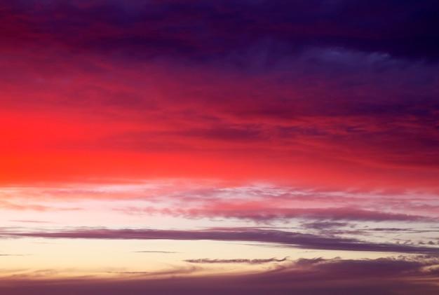 Красивое красочное небо. фон неба