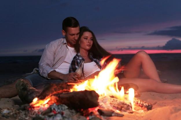 Bella coppia in spiaggia
