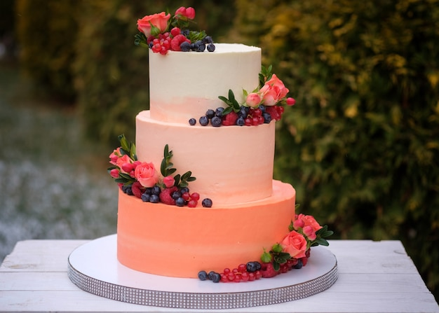 Beautiful decorated wedding cake with roses