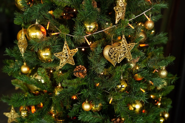 クリスマスツリーの美しい装飾